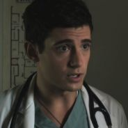 "Em ""Pretty Little Liars"": na 7ª temporada, Wren Kingston de volta? Julian Morris retorna à série!"