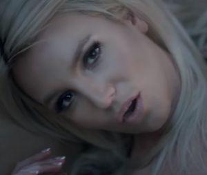 "Britney Spears - ""Perfume"""
