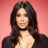 Kim Kardashian supera Selena Gomez no Instagram com vídeo sexy rebolando em piscina! Confira