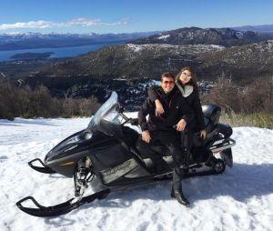 Camila Queiroz e Klebber Toledo viajaram juntos para a Argentina