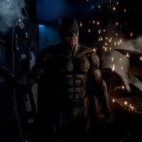 """Filme """"Liga da Justiça"""": Batman (Ben Affleck) aparece com novo uniforme em foto! Confira"""