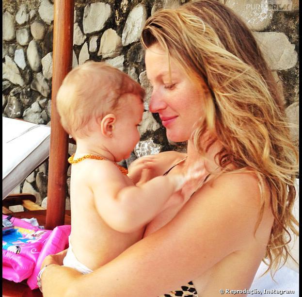 Venha conferir os filhos mais lindos das celebridades!Vivian é a filha mais nova de Gisele Bündchen, e ela adora postar foto junto da filha no Instagram