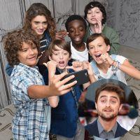 """De """"Stranger Things"""": Daniel Radcliffe, o eterno Harry Potter, se compara ao elenco mirim da série!"""