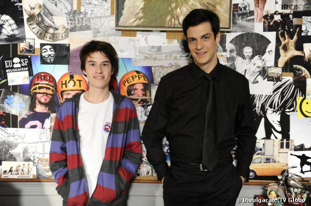 """Em """"Amor à Vida"""", Félix (Mateus Solano) vai descobrir que não é o pai verdadeiro de Jonathan (Thalles Cabral)!"""