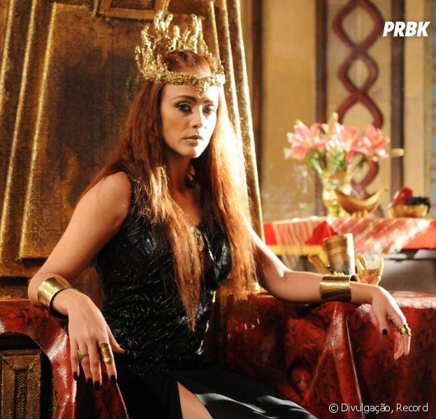 """Em """"A Terra Prometida"""": Kalesi (Juliana Silveira) descobre que Sandor (Pedro Henrique Moutinho) não está morto!"""