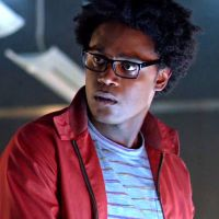 """Em """"Arrow"""", na 5ª temporada, Echo Kellum, o Curtis, revela sobre nova fase: """"A melhor de todas"""""""