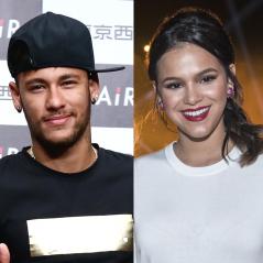 Bruna Marquezine e Neymar Jr. curtem festa juntos, mas evitam aparecer em fotos