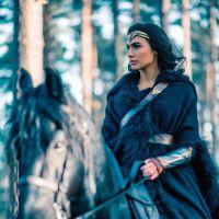 """De """"Mulher-Maravilha"""": super-heroína vai usar quatro uniformes diferentes no filme!"""