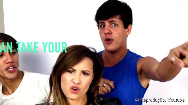 """<p>Fãs foram surpreendidos por Demi Lovato durante gravação de """"Really Don't Care""""</p>"""