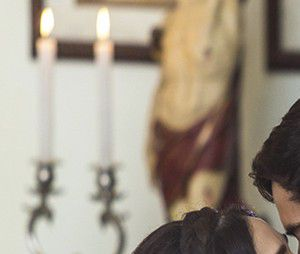 """Novela """"Haja Coração"""": Felipe (Marcos Pitombo) e Shirlei (Sabrina Petraglia) finalmente casam após sofrerem para ficarem juntos!"""