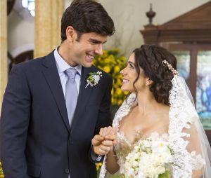 """Em """"Haja Coração"""": Shirlei (Sabrina Petraglia) e Felipe (Marcos Pitombo) se casam!"""