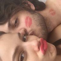 Chay Suede e Laura Neiva super apaixonados! Modelo se declara para o ator no Instagram e fãs piram