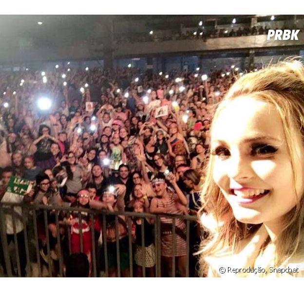 Larissa Manoela faz show em Campina Grande, na Paraíba, e canta música da dupla Sandy & Junior