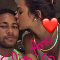 Bruna Marquezine e Neymar Jr. passam o Ano Novo juntos e postam foto no Instagram!