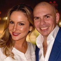 """Versão demo de """"We Are One"""" traz Claudia Leitte cantando muito mais com Pitbull"""