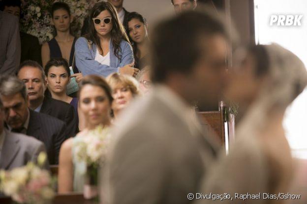 """Novela """"A Lei do Amor"""": Marina (Alice Wegmann) aparece no casamento de Tiago (Humberto Carrão) e Letícia (Isabella Santoni)!"""