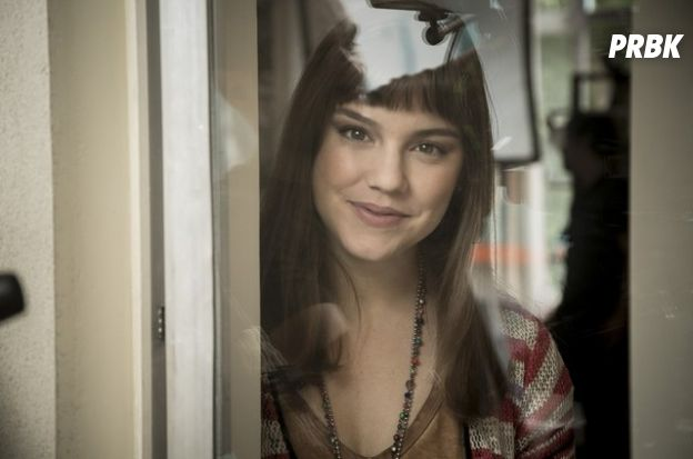 """Novela """"A Lei do Amor"""": Isabela (Alice Wegmann) e Marina não são a mesma pessoa"""