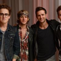 """McFly revela novo single """"Love is on the Radio"""" e prepara comemoração de 10 anos do grupo!"""