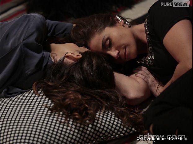 """Na novela """"Em Família"""", Clara (Giovanna Antonelli) e Marina (Tainá Müller) podem viver o beijo gay mais esperado de 2014!"""