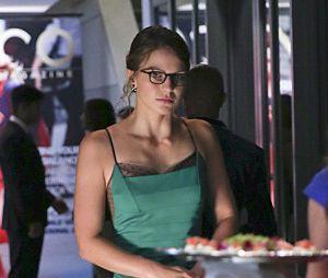 """Em """"Supergirl"""", esse tubinho verde tá a coisa mais linda na Kara Danvers!"""