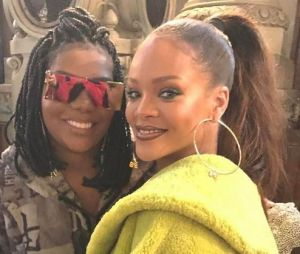 Ludmilla encontra Rihanna e tieta a cantora durante evento em Paris