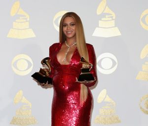 Fã surpreende Beyoncé ao cantar em show da diva!