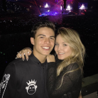 Larissa Manoela e Thomaz Costa namorando? Atores curtem show do Justin Bieber juntos e fãs shippam