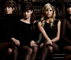 "Em ""Pretty Little Liars"", confira os personagens que podem ser A.D"