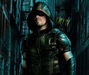 """Em """"Arrow"""": produtora fala sobre relação de Oliver (Stephen Amell) e aliados na 5ª temporada"""