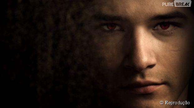 """Scott (Tyler Posey) arrasa na nova abertura de """"Teen Wolf""""!"""