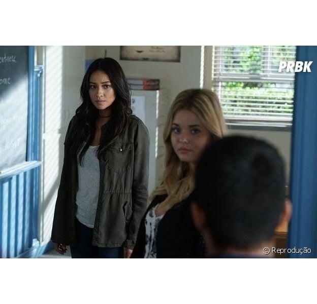 """De """"Pretty Little Liars"""": Spencer (Troian Bellisario) descobre quem matou a mãe de Alison (Sasha Pieterse)"""