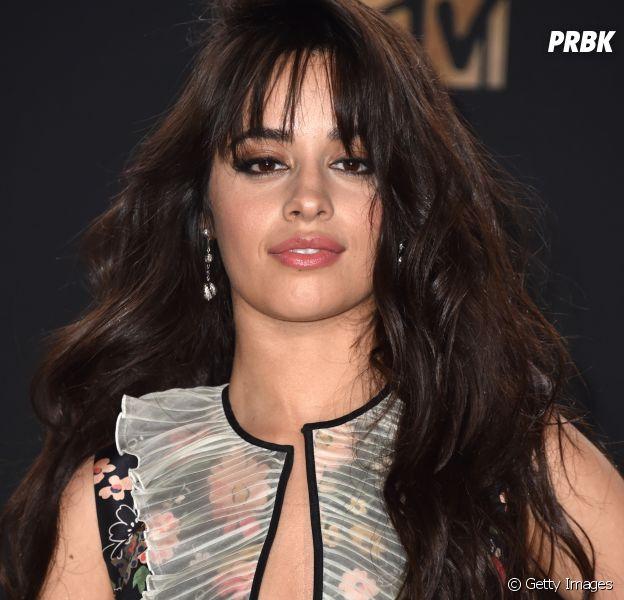 Camila Cabello publica frase enigmática e fãs desconfiam