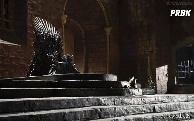 """Rainha Elizabeth visita estúdio onde é gravado a série """"Game of Thrones"""""""