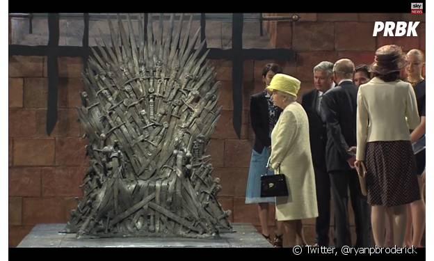 """A Rainha da Inglaterra ganhou uma miniatura do Trono de Ferro, da séria """"Game of Thrones"""""""