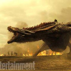 """De """"Game of Thrones"""": na 7ª temporada, Drogon aparece enorme com Khaleesi em novas imagens!"""