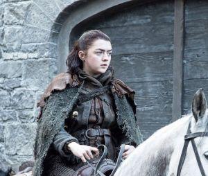 """De """"Game of Thrones"""": Arya Stark (Maisie Williams) aparece séria nas novas imagens"""