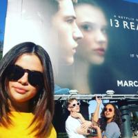 """Selena Gomez defende """"13 Reasons Why"""" após críticas: """"Você pode querer ver ou não"""""""