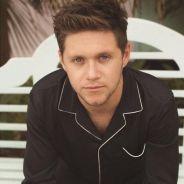 """Niall Horan, do One Direction, fala sobre rivalidade entre os integrantes: """"Nos falamos sempre"""""""