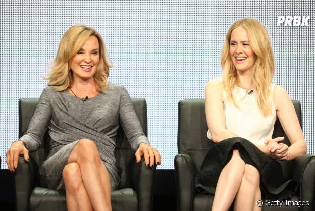 """Jessica Lange (Fiona) e Sarah Paulson (Cordelia) foram indicadas à mesma categoria de Melhor Atriz em Minissérie ou Filme no Emmy 2014 por """"American Horror Story: Coven"""""""