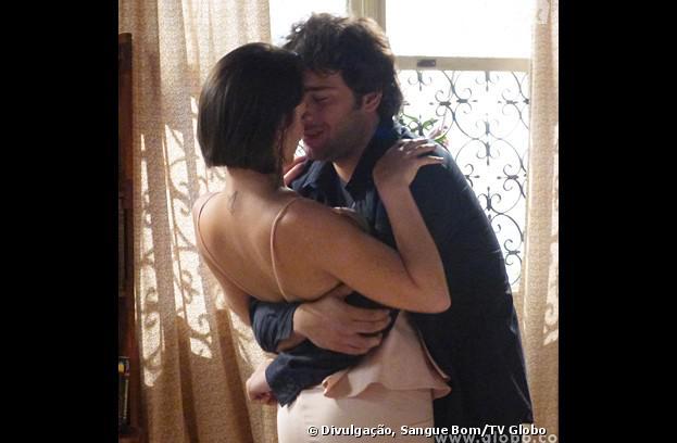 """Fabinho (Humberto Carrão) e Giane (Isabelle Drummond) vão se casar na última semana de """"Sangue Bom""""!"""