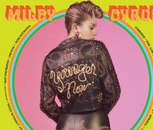 """Miley Cyrus libera prévia de """"Love Someone"""", música nova de seu novo álbum"""