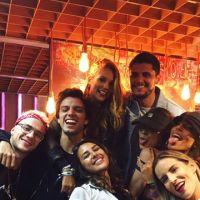 No Rock in Rio 2017: Tinder tem espaço com famosos, pegação, transformação de look e muito mais!