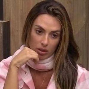 """Em """"A Fazenda"""": Nicole Bahls é a 1ª eliminada e noite é marcada por barracos!"""