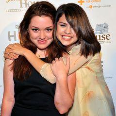 """Selena Gomez e Jennifer Stone, de """"Os Feiticeiros de Waverly Place"""", ainda são amigas na vida real!"""
