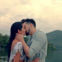 """Luan Santana lança clipe de """"Acertou a Mão"""" em clima de romance com modelo colombiana!"""