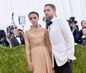 E aí, você curtia o casal Robert Pattinson e FKA Twigs?