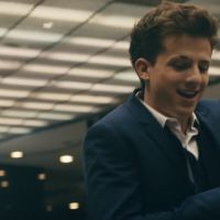 "Charlie Puth lança clipe de ""How Long"", segundo single do álbum ""Voice Notes"""