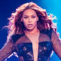 "Para ""50 Tons de Cinza"", Beyoncé canta versão acústica de ""Crazy in Love"""