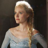 """Em """"Once Upon a Time"""": Elsa aparece em primeira foto oficial com Kristoff"""