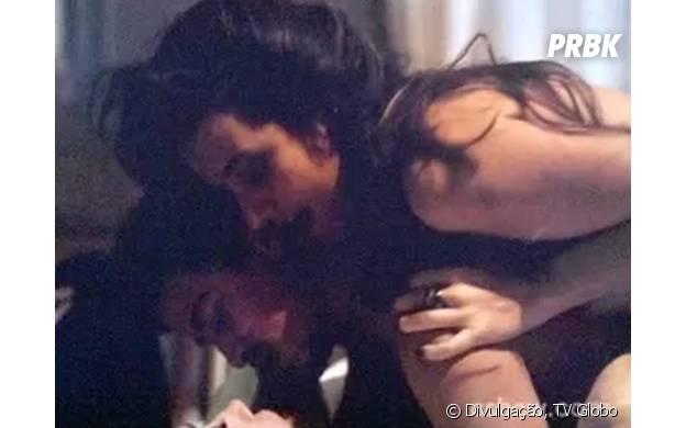 """Mirna (Bianca Müller) também participa da cena com Maria Angélica (Camila Morgado) e Alain (Jesuíta Barbosa) em """"O Rebu"""""""